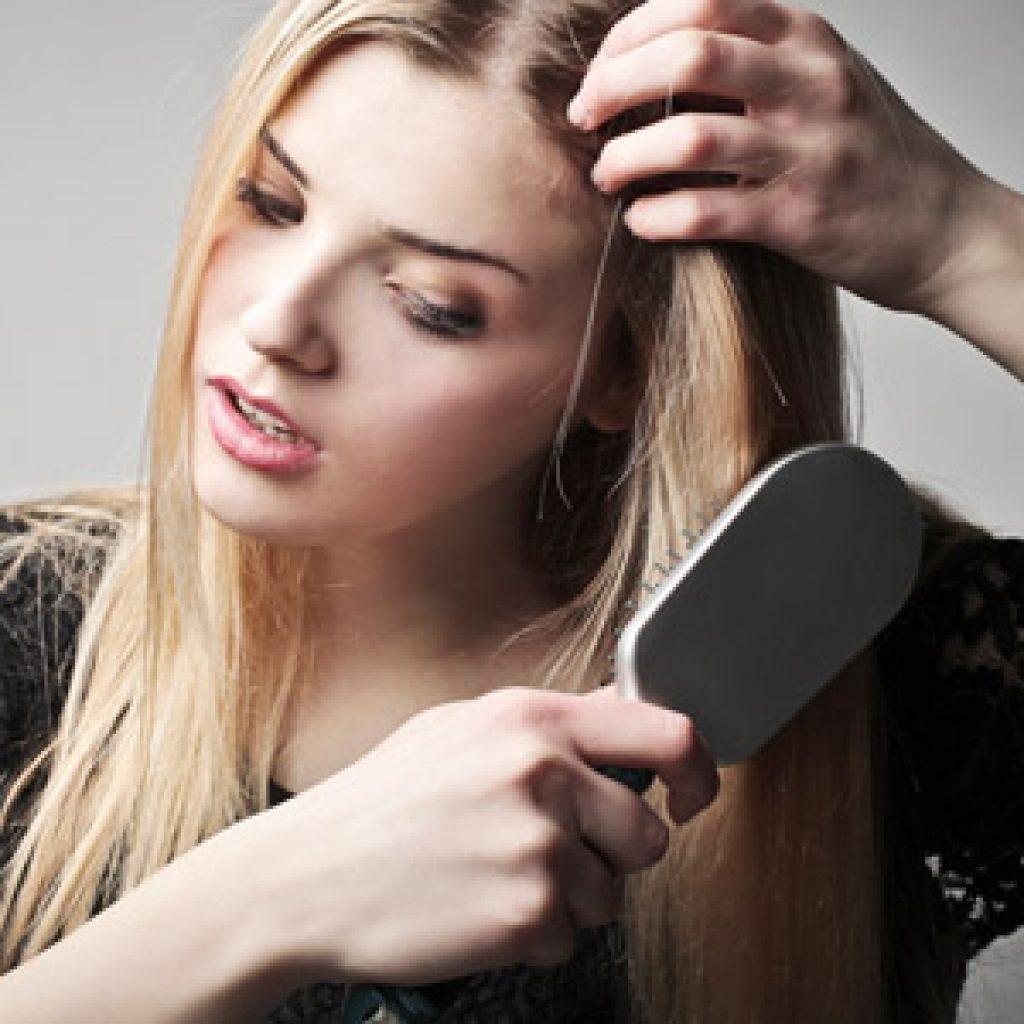 Причины сильного выпадения волос и способы терапии