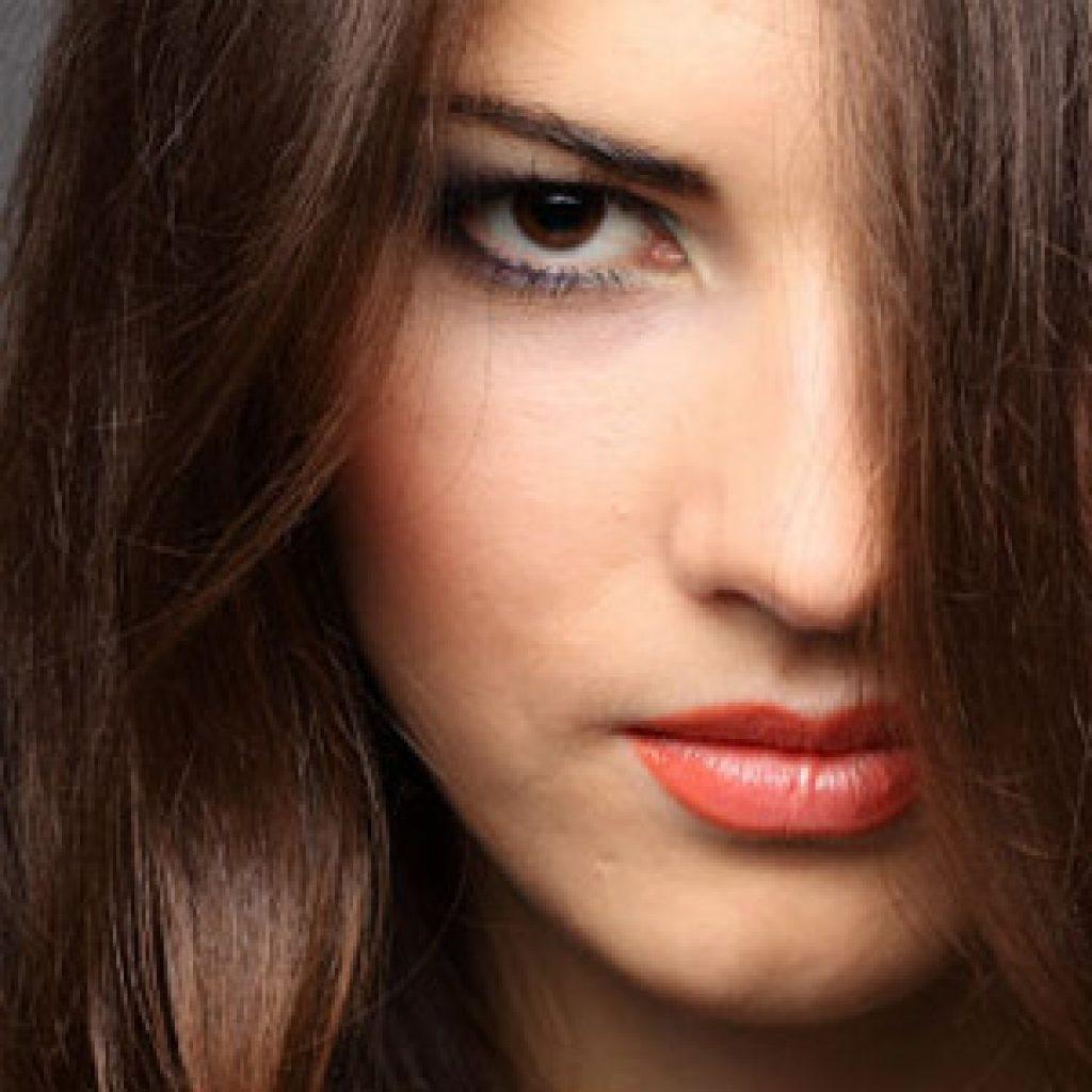 Какой цвет волос подобрать для карих глаз