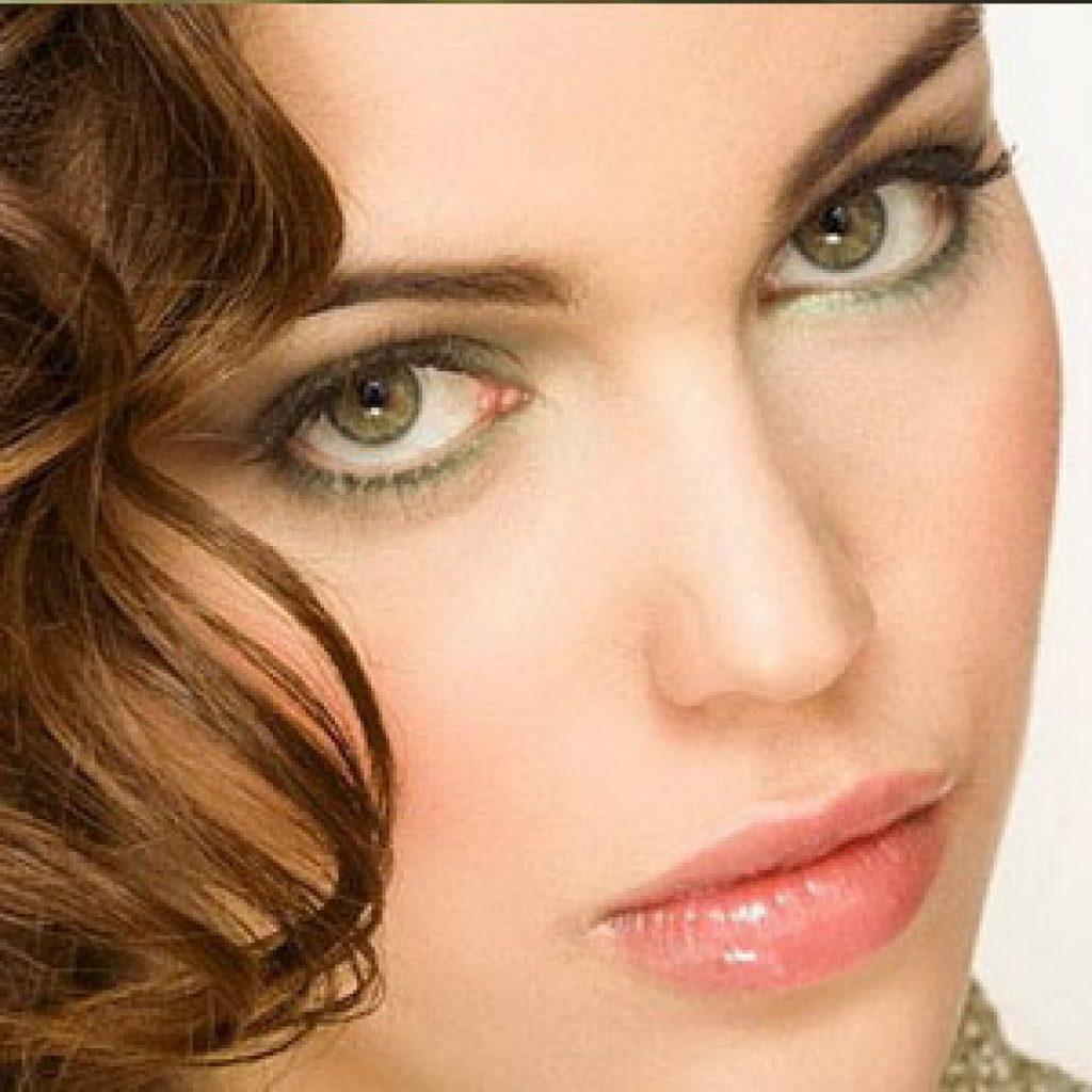 Как подобрать оттенок волос для глаз зеленого цвета