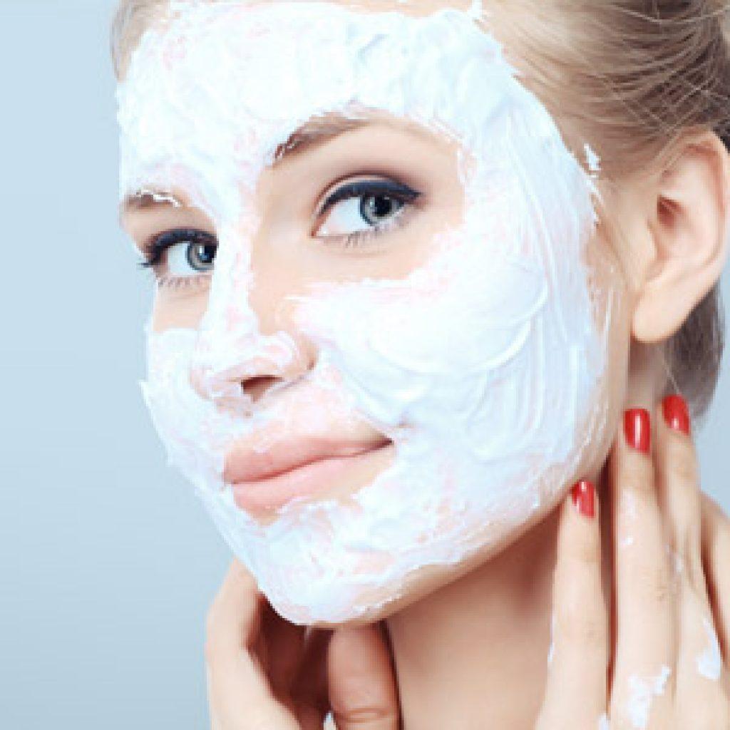 Домашние маски для лица с омолаживающим эффектом