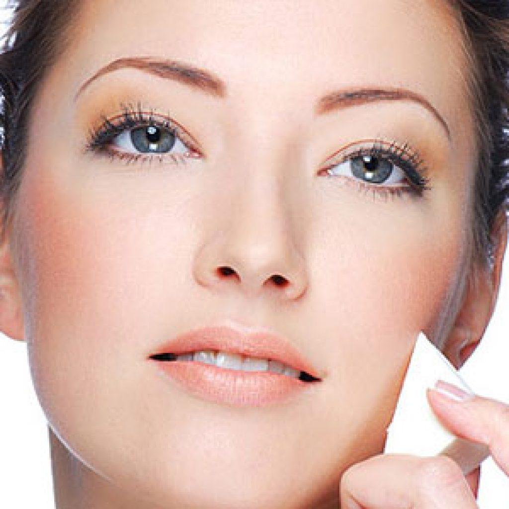 Обзор тональных кремов для жирного типа кожи