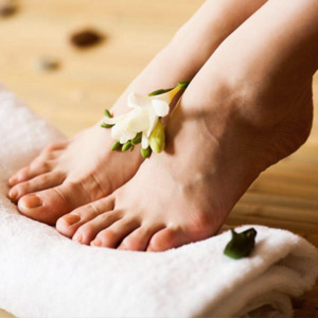 Народные и традиционные средства от излишней потливости ног